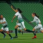 Duranguense Daniela Delgado sella triunfo de Santos Femenil