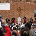 Detienen ocho estudiantes en protesta durante acto del papa en universidad