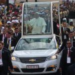 Francisco rezó por los enfermos tras su retorno a la Nunciatura en Lima