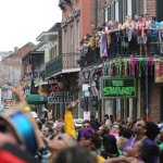 Tiroteos en el desfile de Mardi Gras en Nueva Orleans dejan tres heridos