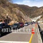 Reabrieron la súper Durango-Mazatlán, pero la carga vehicular ha saturado el camino