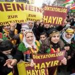 Centenares de personas se manifiestan por suspensión de salarios en Kurdistán