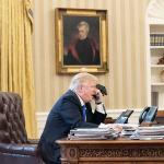 Trump firma presupuesto EEUU y advierte que no volverá a rubricar una ley así