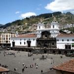 Reabren emblemática plaza de San Francisco en Quito tras obras del metro