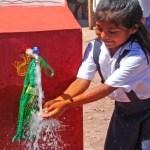 La UE y España donan a Bolivia 20,5 millones de euros para programa de agua