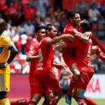 El Toluca vence al campeón Tigres y se confirma como líder del Clausura