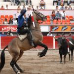 """Hermoso de Mendoza, dos orejas en Tijuana, una """"El Conde"""""""