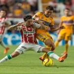 Paraguayo González y chileno Vargas firman empate entre Necaxa y Tigres