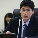 Congresista causa polémica en Perú al apoyar indulto al líder de Sendero