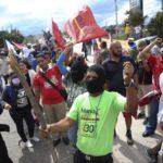 Centenares de hondureños vuelven a protestar contra supuesto fraude electoral