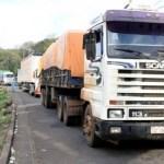 Camioneros bloquean carreteras de Brasil por alza en los combustibles