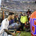 El público deliró de emoción con Messi en el partido despedida de Argentina