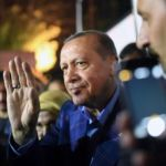 Erdogan gana por amplia mayoría, según resultados parciales