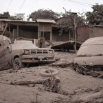Fuertes lahares provocados por lluvias descienden de volcán de Fuego