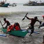 Un total de 76 migrantes rescatados frente a las costas libias tras naufragar