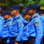 Un total de 5.296 policías hondureños han salido por depuración desde 2016