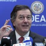 Canciller chileno analiza temas de próxima cumbre con director de APEC