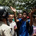 Persisten protestas por aumentos salariales en Venezuela e inflación crece