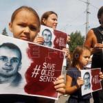 Sentsov cumple 100 días de huelga de hambre entre demandas de su liberación
