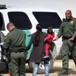 Sin reunirse con sus padres 559 niños inmigrantes en EUA
