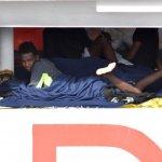 "La ONU insta a Italia a liberar a los 150 inmigrantes del barco ""Diciotti"""