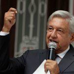 López Obrador dice que consulta será vinculante al futuro de nuevo aeropuerto