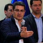 Presidente de Honduras llega a Bogotá para asistir a investidura de Duque