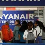 Ryanair pide diálogo tras una huelga de pilotos con 400 cancelaciones
