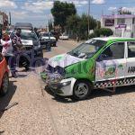 Atienden cuerpos de auxilio dos accidentes automovilísticos en la ciudad con fuertes daños