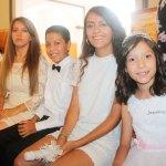 Confirman a Jaqueline Parra Carrasco en una bonita ceremonia en su honor
