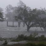 Ojo de Florence se mueve lento cerca de la costa sureste Carolina del Norte