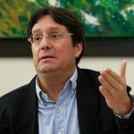 """Colombia cree que """"todas las opciones"""" deben considerarse con Venezuela"""