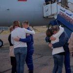 Astronautas rescatados de nave Soyuz están ya con sus familias, según NASA