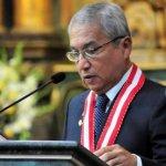 Fiscal de Perú vuelve a amenazar con denuncia que puede implicar a Vizcarra