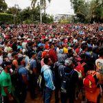 Policía de Guatemala traslada a 62 migrantes hondureños de regreso a su país