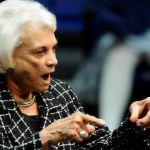 Primera jueza en llegar a Tribunal Supremo de EEUU anuncia que sufre demencia