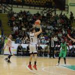 Leñadores gana 96-92 a domicilio el segundo a Aguacateros de Michoacán