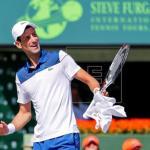 Djokovic recibe el premio como número uno