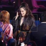 Rosalía ilumina la alfombra roja de los Latin Grammy