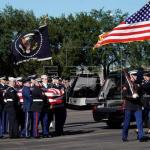 Restos de Bush llegan a Washington para su última misión antes del funeral