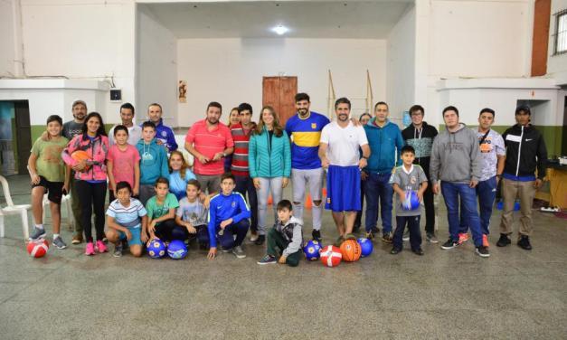 VISITA DE LEANDRO LAZZARO, GASTÓN CASAS Y LA SENADORA FLAVIA DEL MONTE DE CAMBIEMOS AL CLUB POPULAR DE GENERAL LAVALLE