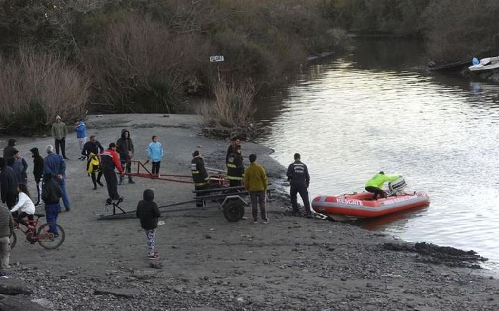Ya rastrillaron todo el Río de la Plata interior: no hallaron a los pescadores desaparecidos