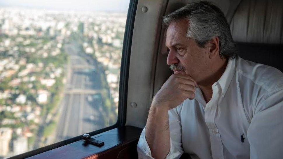 Alberto supervisó en helicóptero el cumplimiento de la cuarentena
