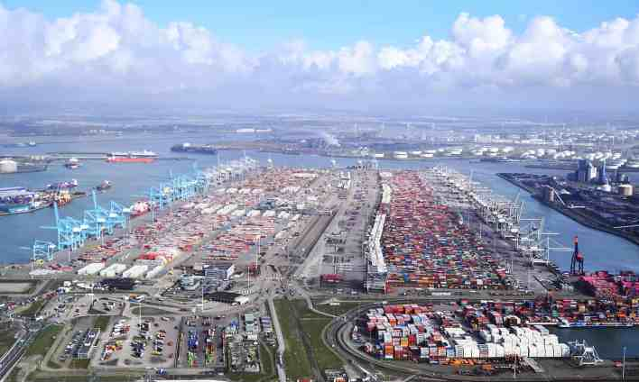 Container volumes down 3% at Port of Rotterdam | Container Management