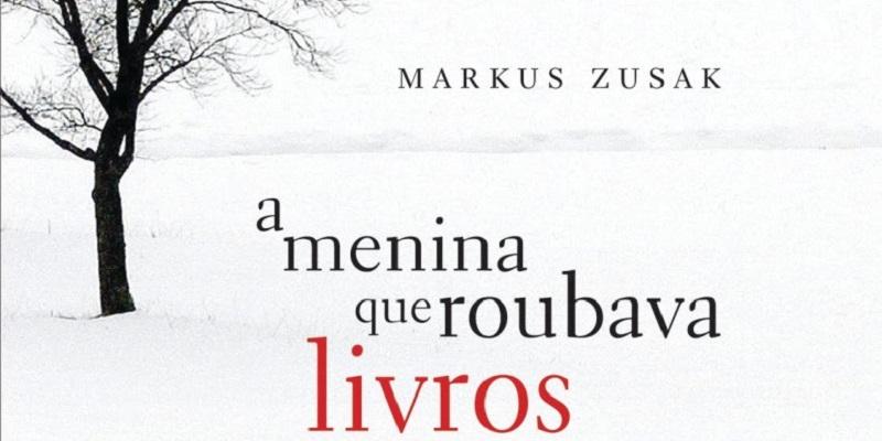"""Capa do livro """"A Menina que Roubava Livros"""", de Markus Zusak."""