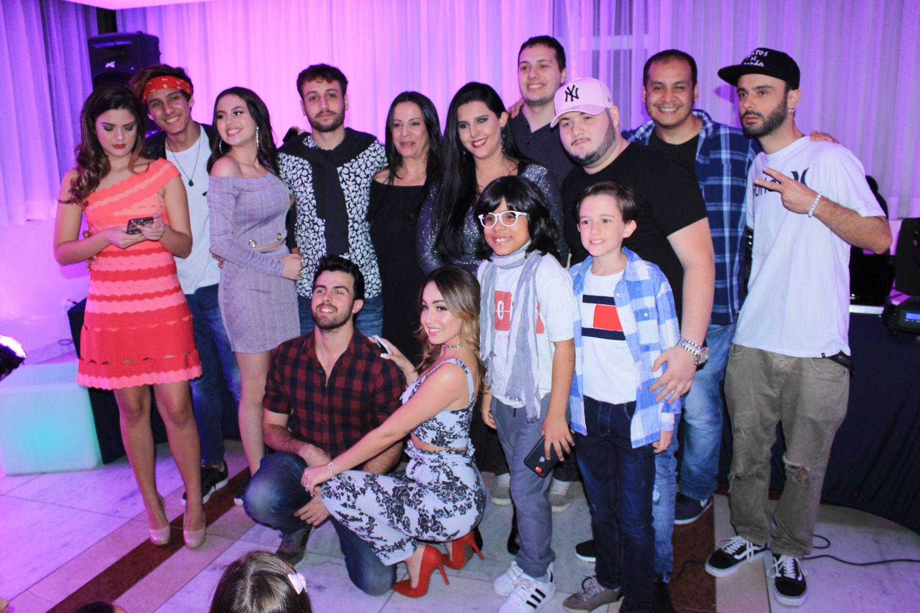 Atores com diretores e produtores da Web Serie Meu Pop Star