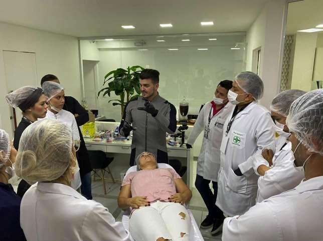 Doutor Cassio Bruno, cirurgião dentista, cria o curso The Unique Experience