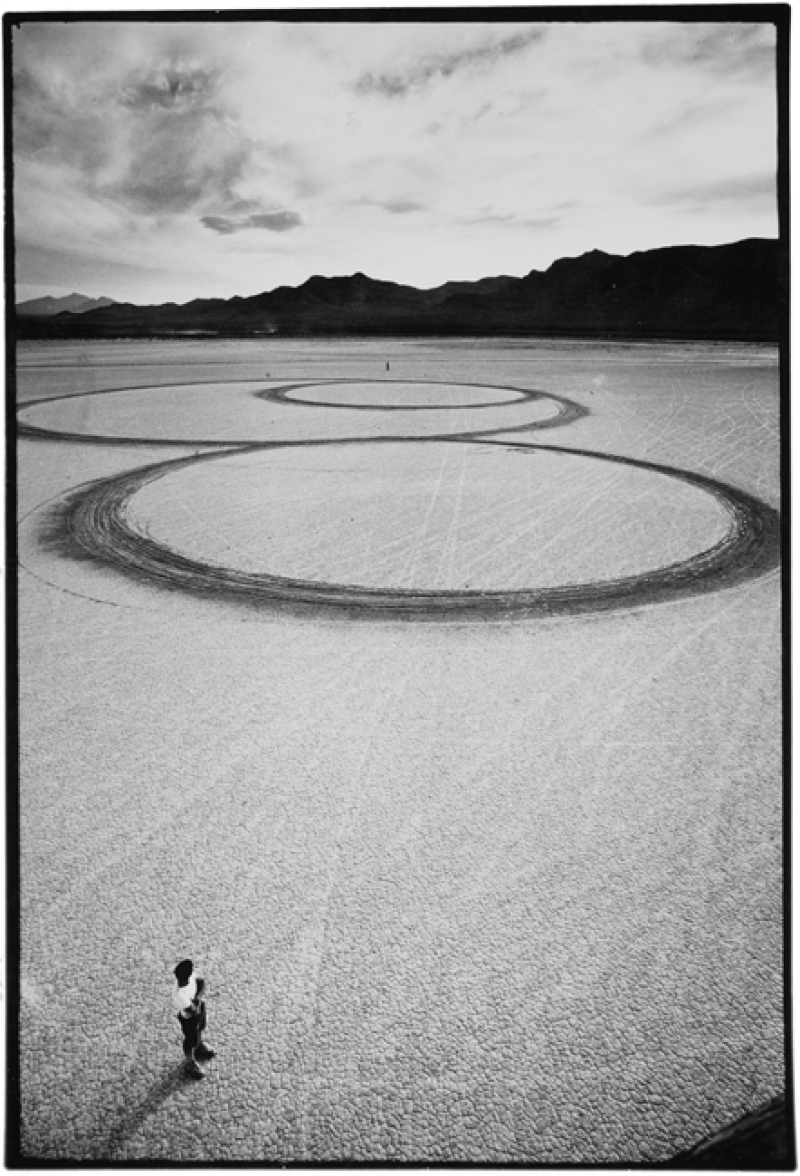 08_Michael_Heizer_Circular_Surface_1970
