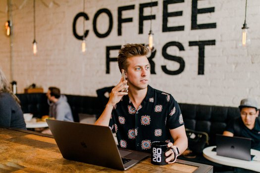 A digital nomad at work. Photo Credit: Austin Distel