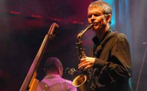 photo of David Sanborn playing in concert